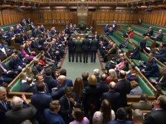 英议会通过脱欧案